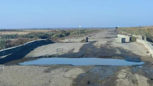 Даже маршрутки ездят: открыли аварийный мост в Одесской области