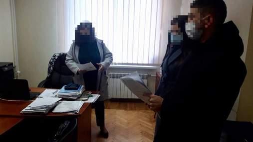 Полиция обыскивает коммунальное предприятие в Святошинском районе Киева