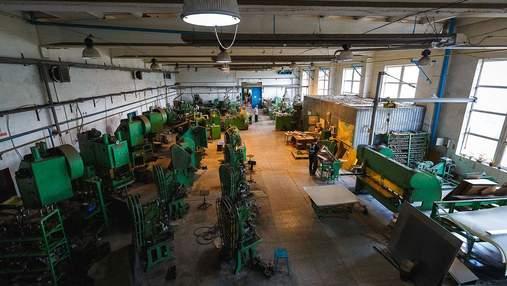 """Нове життя житомирського заводу: Ukraїner дослідив, як відновлюють """"Електровимірювач"""""""
