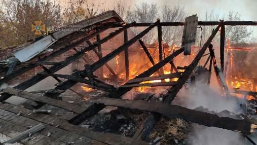 В Харькове до тла сгорел старый интернат: не могли потушить 8 часов