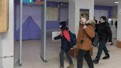 В киевских школах планируют установить металлодетекторы