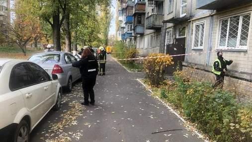 На Троєщині у Києві чоловік погрожував відкрити газ та підірвати власну квартиру