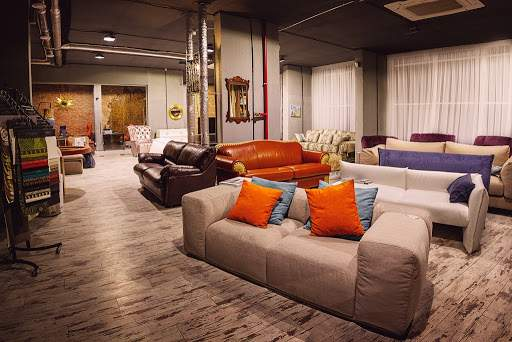Існують меблі, що відтворюють стиль популярних брендів
