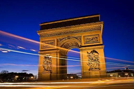 тріумфальна арка париж куди піти в Парижі