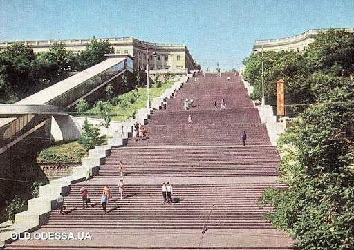 Ескалатор біля Потьомкінських сходів, Одеса, історія Одеси, як змінилася Одеса за 30 років Незалежності України