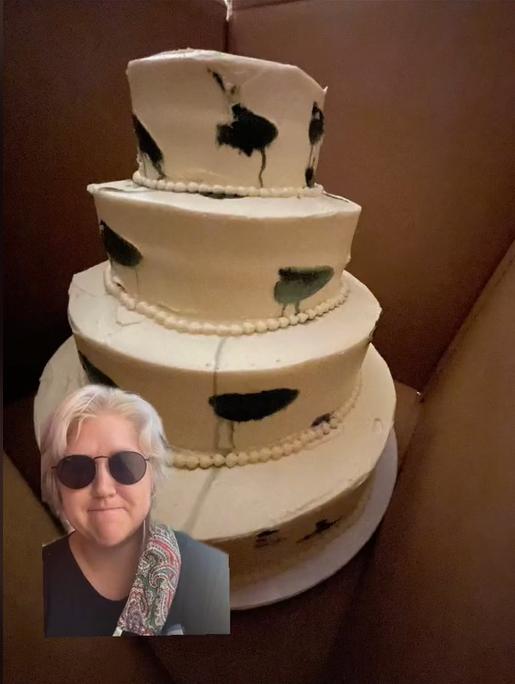 Замість вишуканого весільного торта наречена отримала провал