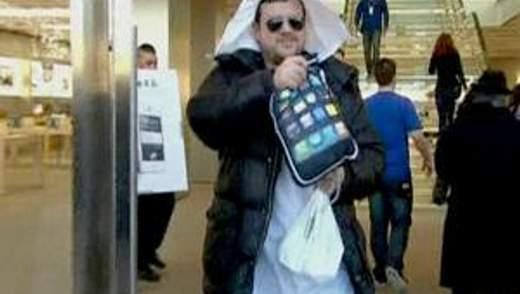 Сотни поклонников Джобса пришли за последней моделью iPhone