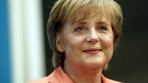 Немецкие футболисты говорят, что Меркель хочет приехать на финал ЕВРО в Киев