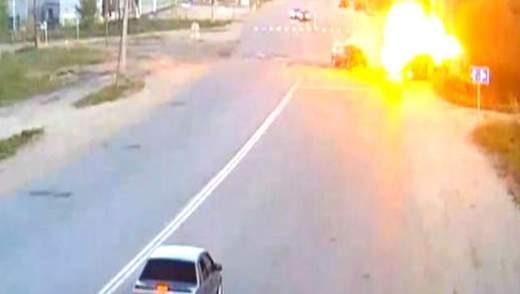 "Ефект свідка: Mitsubishi протаранив ""Газель"", яка виїхала на червоне: 6 постраждалих"