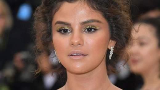 В мережі кепкують з невдалого макіяжу Селени Гомес на Met Gala: курйозні меми