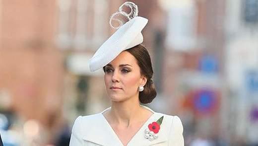Кейт Миддлтон очаровала нежным нарядом на королевской свадьбе: фото