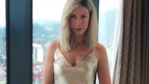 Леся Нікітюк засвітила сідниці перед дзеркалом: фото