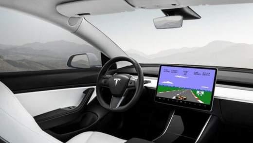 Автомобили Tesla смогут потягаться с Xbox и PlayStation