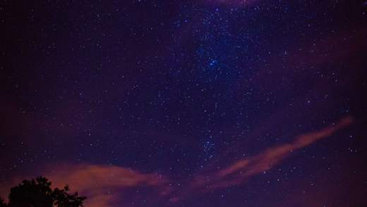 Найяскравіший зорепад року Персеїди: вражаючі фото та відео з соцмереж