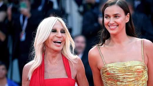 Модель Ірина Шейк засвітила розкішну сукню на Венеційському кінофестивалі: яскраві фото