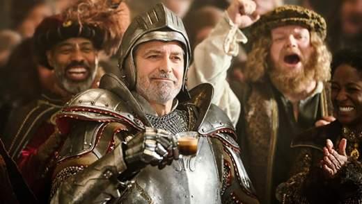 """Джордж Клуни стал рыцарем из """"Игры престолов"""" в новой рекламе: остроумное видео"""