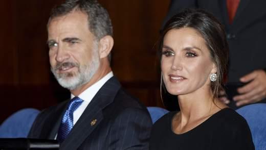 Діаманти і чорна сукня: королева Іспанії приголомшила виходом на світському заході: фото