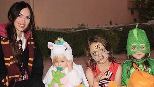 Акторка Меган Фокс одягнула сина в жіночий костюм на Хелловін: несподівані фото