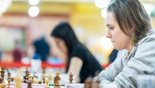 Анна Музичук зіграла першу чвертьфінальну партію внічию на ЧС , Марія Музичук – програла