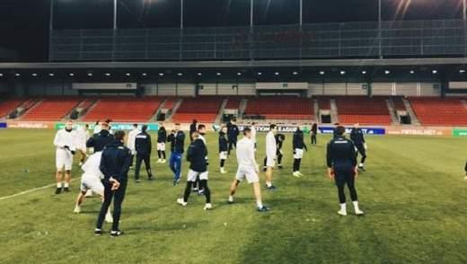 Збірна України випробувала газон стадіону перед матчем Ліги націй: фото