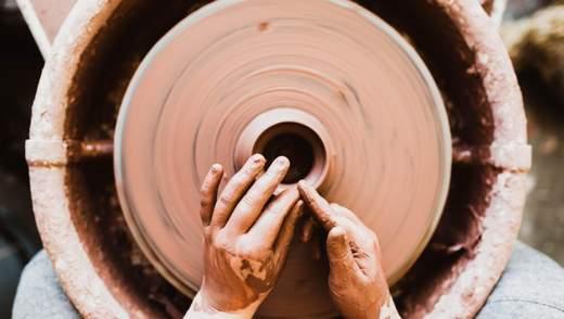 Как украинские гончары сохранили уникальный центр создания особой чернодымленной керамики
