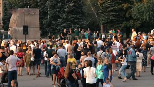 Нулевой рубеж. Как на прифронтовой территории реагировали на украинские песни Арсена Мирзояна