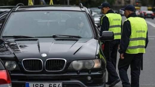 Коли почнуть карати порушників правил ввезення автомобілів на європейських номерах