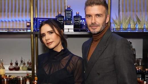 Выход семьи Бекхэм: Виктория с мужем и сыном посетили предрождественскую вечеринку в Лондоне