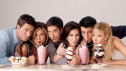 """Дженніфер Еністон розповіла про продовження серіалу """"Друзі"""": неочікувані деталі"""