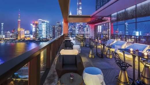 Нечувана розкіш: який вигляд має та скільки коштує номер у 7-зірковому готелі в Шанхаї