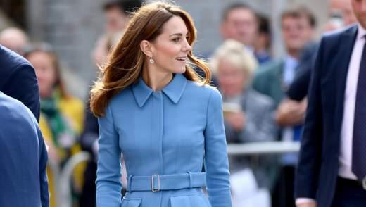 В любимом голубом: Кейт Миддлтон пришла на официальное мероприятие в элегантном пальто