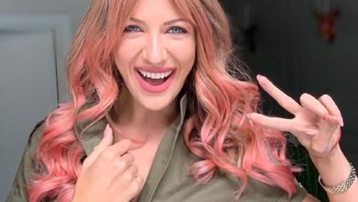 Леся Никитюк неожиданно покрасила волосы в розовый цвет: фото