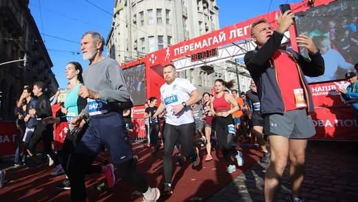 Садовий взяв участь у Львівському напівмарафоні: фото, відео