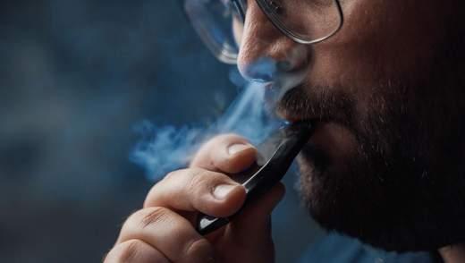 Уряд пропонує заборонити куріння електронних сигарет та вейпів у громадських місцях