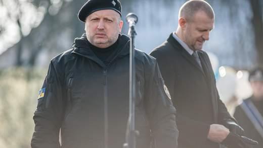 """Як журналісти """"Наших грошей"""" виграли суд у Турчинова"""