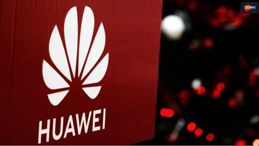 """Huawei має """"таємний"""" доступ до мобільних мереж у  світі, – радник Трампа"""
