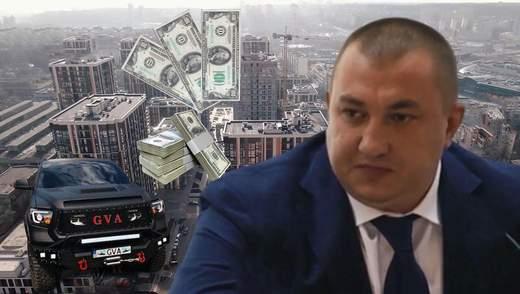 Авто за тисячі доларів та елітні квартири: чим володіє СБУшник Герсак