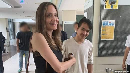 Анджеліна Джолі розповіла, чи повернеться її син у Південну Корею після пандемії