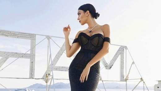 Невеста Роналду похвасталась пышными формами в спортзале: фото