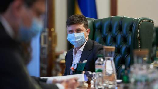Українським виробникам дозволять продавати маски за кордон: Зеленський назвав умову