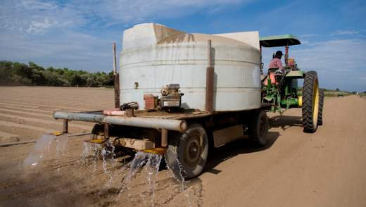 Формула успеха: аграрии берегут воду – вода помогает аграриям