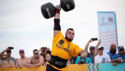 Підняв 100-кілограмову гантелю за 75 секунд: українець Новіков встановив світовий рекорд – відео