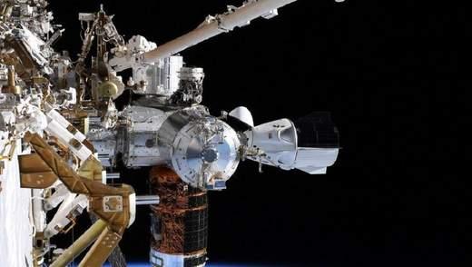 """У """"Роскосмосі"""" назвали Crew Dragon Ілона Маска небезпечним для астронавтів"""