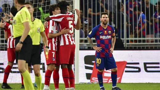 """Пахне змовою: арбітр вигадав пенальті у ворота """"Барселони"""" попри систему VAR – відео"""