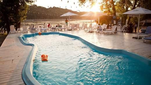 Найкращі басейни Києва: фото та ціни