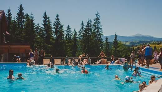 Готелі з басейнами у Карпатах: умови, переваги та ціни