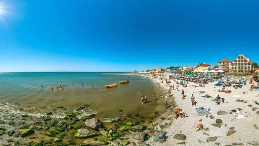 У курортному Залізному Порту туристи злягли до лікарні з коронавірусом: подробиці