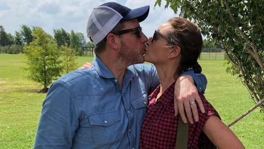 Назад в прошлое: Кристи Тарлингтон и ее муж снялись в рекламе духов Calvin Klein