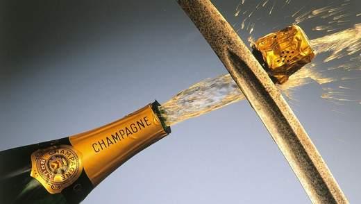 Как красиво открыть игристое вино: эффектный гусарский способ