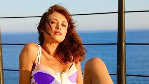 Трендовая прическа и естественный цвет волос: как актриса Ольга Куриленко сменила имидж